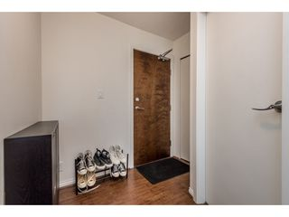 """Photo 15: 2402 550 TAYLOR Street in Vancouver: Downtown VW Condo for sale in """"THE TAYLOR"""" (Vancouver West)  : MLS®# R2142981"""