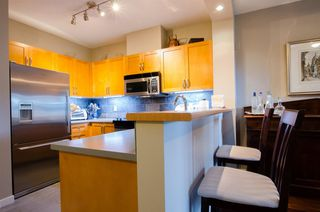 "Photo 2: 210 2263 REDBUD Lane in Vancouver: Kitsilano Condo for sale in ""TROPEZ"" (Vancouver West)  : MLS®# R2162579"