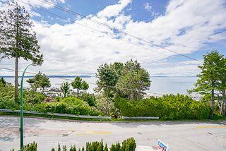 Photo 4: 1 15021 BUENA VISTA Avenue: White Rock Condo for sale (South Surrey White Rock)  : MLS®# R2170659