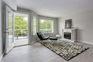 Photo 4: 214 19236 FORD Road in Pitt Meadows: Central Meadows Condo for sale : MLS®# R2182703