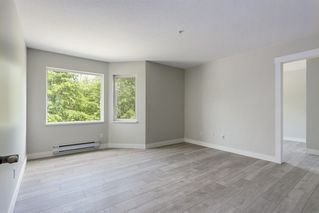 Photo 11: 214 19236 FORD Road in Pitt Meadows: Central Meadows Condo for sale : MLS®# R2182703