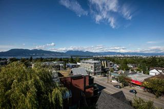 """Photo 3: 104 3349 DUNBAR Street in Vancouver: Dunbar Townhouse for sale in """"DUNBAR"""" (Vancouver West)  : MLS®# R2199168"""