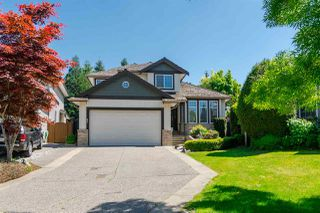 Photo 1: 21060 86 Avenue in Langley: Walnut Grove House for sale : MLS®# R2199071