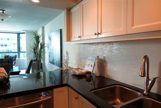 Photo 4: 503 1238 MELVILLE STREET in Vancouver: Coal Harbour Condo for sale (Vancouver West)  : MLS®# R2186632
