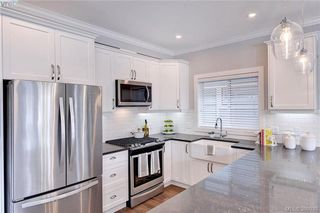 Photo 4: 1223 Dreamcatcher Place in VICTORIA: La Westhills Single Family Detached for sale (Langford)  : MLS®# 386030