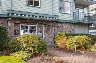 Photo 2: 302 9950 Fourth St in SIDNEY: Si Sidney North-East Condo Apartment for sale (Sidney)  : MLS®# 777829
