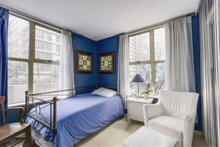 "Photo 13: 403 989 RICHARDS Street in Vancouver: Downtown VW Condo for sale in ""THE MONDRIAN"" (Vancouver West)  : MLS®# R2236828"