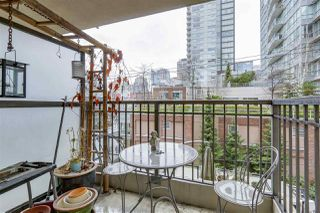 "Photo 14: 403 989 RICHARDS Street in Vancouver: Downtown VW Condo for sale in ""THE MONDRIAN"" (Vancouver West)  : MLS®# R2236828"