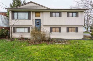 Photo 1: 17332 64 Avenue in Surrey: Cloverdale BC House for sale (Cloverdale)  : MLS®# R2239266