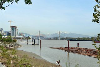 """Photo 13: 403 250 SALTER Street in New Westminster: Queensborough Condo for sale in """"PADDLERS LANDING"""" : MLS®# R2260879"""
