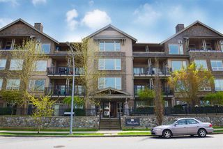 """Photo 2: 403 250 SALTER Street in New Westminster: Queensborough Condo for sale in """"PADDLERS LANDING"""" : MLS®# R2260879"""