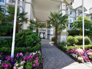Photo 2: 309 4770 52A Street in Delta: Delta Manor Condo for sale (Ladner)  : MLS®# R2271731