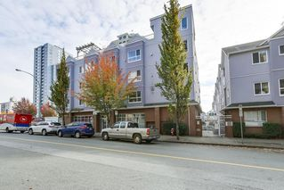 "Photo 1: 207 624 AGNES Street in New Westminster: Downtown NW Condo for sale in ""MACKENZIE STEPS"" : MLS®# R2315655"