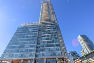 "Photo 2: 4202 4485 SKYLINE Drive in Burnaby: Brentwood Park Condo for sale in ""ALTUS AT SOLO"" (Burnaby North)  : MLS®# R2316432"