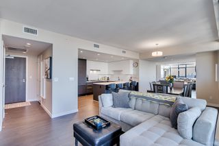 "Photo 7: 4202 4485 SKYLINE Drive in Burnaby: Brentwood Park Condo for sale in ""ALTUS AT SOLO"" (Burnaby North)  : MLS®# R2316432"