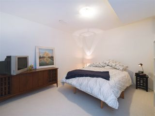 """Photo 14: 408 FERNHURST Place in Coquitlam: Coquitlam East House for sale in """"Dartmoor Heights"""" : MLS®# R2319741"""