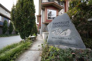 "Main Photo: 25 40653 TANTALUS Road in Squamish: Tantalus Townhouse for sale in ""TANTALUS CROSSING"" : MLS®# R2322195"
