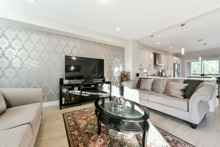 """Photo 5: 79 20498 82 Avenue in Langley: Willoughby Heights Townhouse for sale in """"GABRIOLA PARK"""" : MLS®# R2334254"""