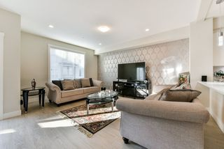 """Photo 4: 79 20498 82 Avenue in Langley: Willoughby Heights Townhouse for sale in """"GABRIOLA PARK"""" : MLS®# R2334254"""
