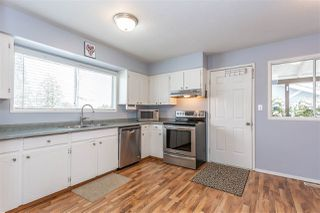 Photo 2: 32547 WILLIAMS Avenue in Mission: Mission BC House for sale : MLS®# R2341104