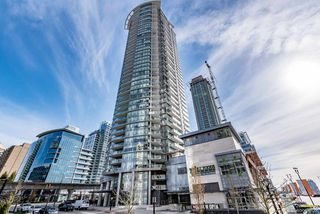 """Main Photo: 4002 2008 ROSSER Avenue in Burnaby: Brentwood Park Condo for sale in """"STRATUS AT SOLO DISTRICT 1"""" (Burnaby North)  : MLS®# R2346027"""