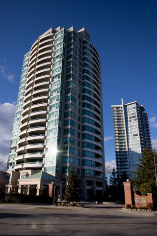 """Main Photo: 2002 6659 SOUTHOAKS Crescent in Burnaby: Highgate Condo for sale in """"GEMINI II"""" (Burnaby South)  : MLS®# R2346052"""