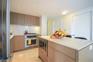 """Photo 7: 908 111 E 1ST Avenue in Vancouver: Mount Pleasant VE Condo for sale in """"Block -100"""" (Vancouver East)  : MLS®# R2347230"""