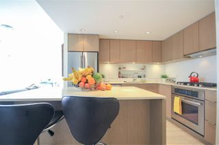 """Photo 6: 908 111 E 1ST Avenue in Vancouver: Mount Pleasant VE Condo for sale in """"Block -100"""" (Vancouver East)  : MLS®# R2347230"""