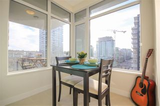 """Photo 9: 908 111 E 1ST Avenue in Vancouver: Mount Pleasant VE Condo for sale in """"Block -100"""" (Vancouver East)  : MLS®# R2347230"""