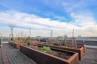"""Photo 15: 908 111 E 1ST Avenue in Vancouver: Mount Pleasant VE Condo for sale in """"Block -100"""" (Vancouver East)  : MLS®# R2347230"""