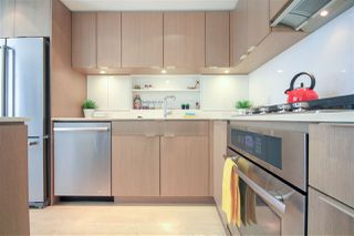 """Photo 5: 908 111 E 1ST Avenue in Vancouver: Mount Pleasant VE Condo for sale in """"Block -100"""" (Vancouver East)  : MLS®# R2347230"""