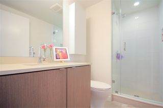 """Photo 14: 908 111 E 1ST Avenue in Vancouver: Mount Pleasant VE Condo for sale in """"Block -100"""" (Vancouver East)  : MLS®# R2347230"""