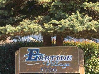 Photo 1: 7 5706 EBBTIDE Street in Sechelt: Sechelt District Townhouse for sale (Sunshine Coast)  : MLS®# R2349758