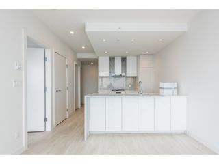 """Photo 7: 5101 4670 ASSEMBLY Way in Burnaby: Metrotown Condo for sale in """"Station Square"""" (Burnaby South)  : MLS®# R2351186"""