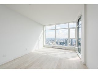 """Photo 3: 5101 4670 ASSEMBLY Way in Burnaby: Metrotown Condo for sale in """"Station Square"""" (Burnaby South)  : MLS®# R2351186"""
