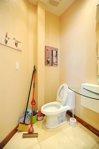 Photo 17: 11667 73 Avenue NW in Edmonton: Zone 15 House for sale : MLS®# E4156870