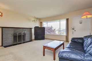Photo 7: 11 HOWARD Avenue in Burnaby: Capitol Hill BN House for sale (Burnaby North)  : MLS®# R2378623