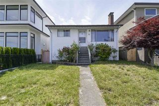Photo 2: 11 HOWARD Avenue in Burnaby: Capitol Hill BN House for sale (Burnaby North)  : MLS®# R2378623