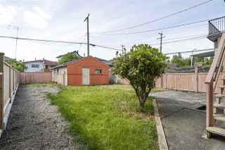 Photo 3: 11 HOWARD Avenue in Burnaby: Capitol Hill BN House for sale (Burnaby North)  : MLS®# R2378623