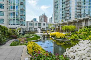 """Photo 17: 606 1199 MARINASIDE Crescent in Vancouver: Yaletown Condo for sale in """"AQUARIUS I"""" (Vancouver West)  : MLS®# R2379533"""