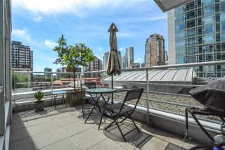 """Photo 14: 606 1199 MARINASIDE Crescent in Vancouver: Yaletown Condo for sale in """"AQUARIUS I"""" (Vancouver West)  : MLS®# R2379533"""