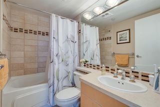 """Photo 12: 606 1199 MARINASIDE Crescent in Vancouver: Yaletown Condo for sale in """"AQUARIUS I"""" (Vancouver West)  : MLS®# R2379533"""