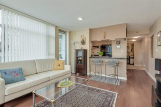 """Photo 5: 606 1199 MARINASIDE Crescent in Vancouver: Yaletown Condo for sale in """"AQUARIUS I"""" (Vancouver West)  : MLS®# R2379533"""