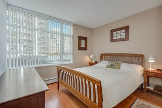 """Photo 10: 606 1199 MARINASIDE Crescent in Vancouver: Yaletown Condo for sale in """"AQUARIUS I"""" (Vancouver West)  : MLS®# R2379533"""