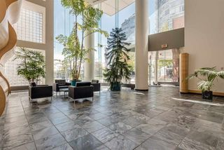 """Photo 18: 606 1199 MARINASIDE Crescent in Vancouver: Yaletown Condo for sale in """"AQUARIUS I"""" (Vancouver West)  : MLS®# R2379533"""