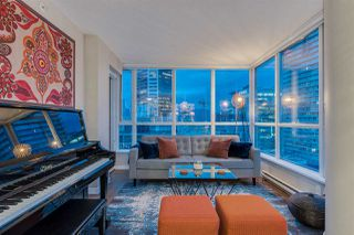 "Photo 7: 2103 833 SEYMOUR Street in Vancouver: Downtown VW Condo for sale in ""CAPITAL RESIDENCES"" (Vancouver West)  : MLS®# R2382715"