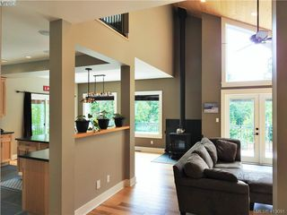 Photo 10: 2555 Eaglecrest Dr in SOOKE: Sk Otter Point House for sale (Sooke)  : MLS®# 819126