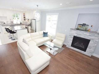 Photo 3: 3308 AUSTREY Avenue in Vancouver: Collingwood VE House for sale (Vancouver East)  : MLS®# R2397730