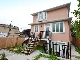Photo 15: 3308 AUSTREY Avenue in Vancouver: Collingwood VE House for sale (Vancouver East)  : MLS®# R2397730