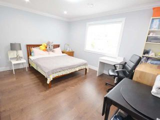 Photo 12: 3308 AUSTREY Avenue in Vancouver: Collingwood VE House for sale (Vancouver East)  : MLS®# R2397730
